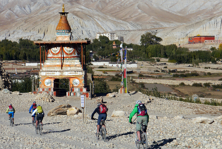MTB Expedition Mustang im Himalaya in Nepal an der Grenze zu Tibet